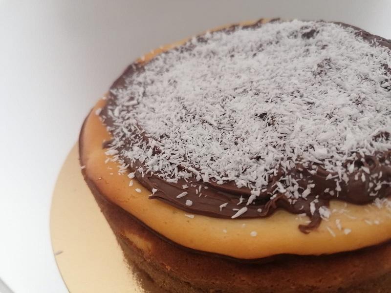 Cheese-cake cocco e crema al cioccolato